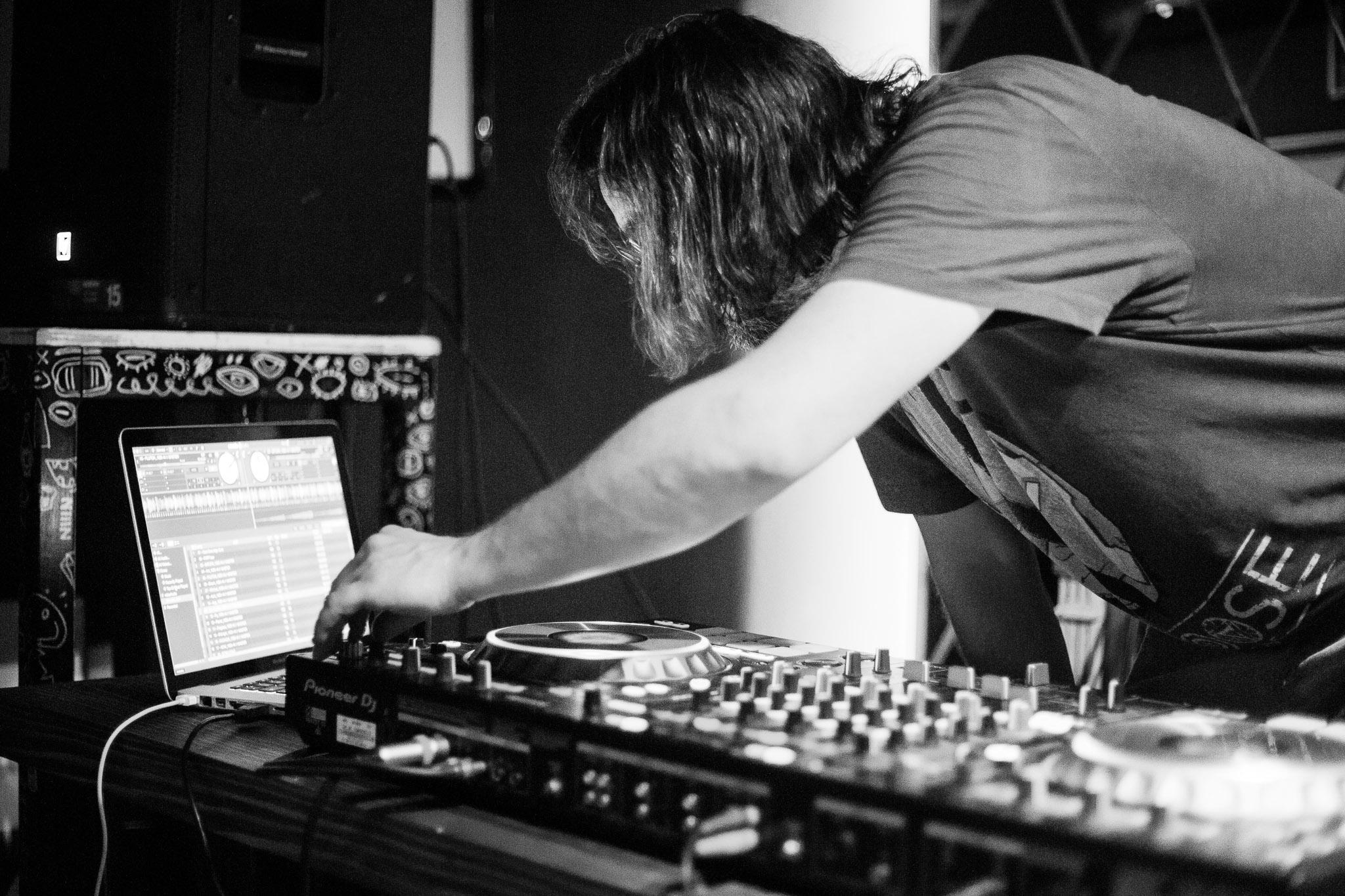 drumelody, berin tuzlic, elektro muzika, elektro pop, radiokiller, ambasador nagrada, muzika, artist, umetnost, umetnik, izvođač, DJ, DJ-ing, drum-ing